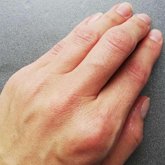 Hände nach der Anwendung - bilou Daisy Hands Pflegender Handschaum