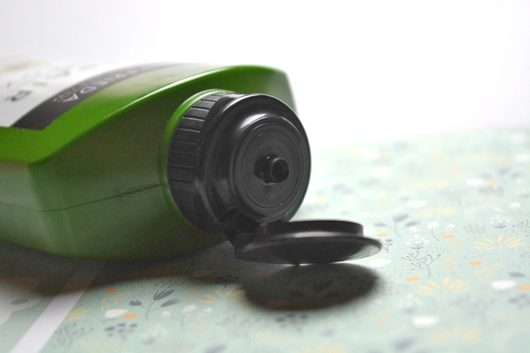 Dosieröffnung - John Frieda Repair & Detox Shampoo