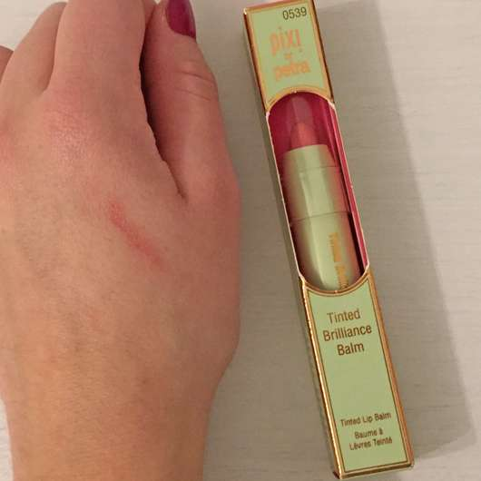 Swatch - Pixi Tinted Brilliance Balm, Farbe: Baby Bare