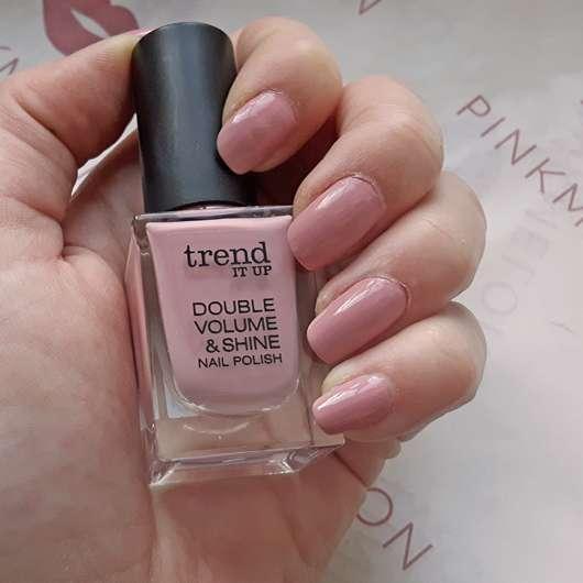 lackierte Fingernägel mit trend IT UP Double Volume & Shine Nail Polish, Farbe: 030