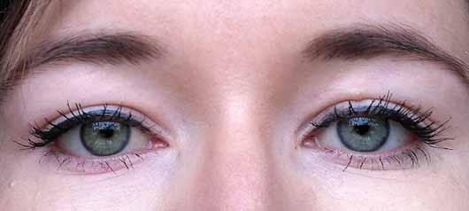 Misslyn Dip Eyeliner, Farbe: 16 graphite - auf dem Lid
