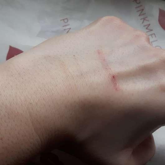 Handrücken - nach der Verwendung des BIO:VÉGANE Bio Cranberry Reinigungsschaums