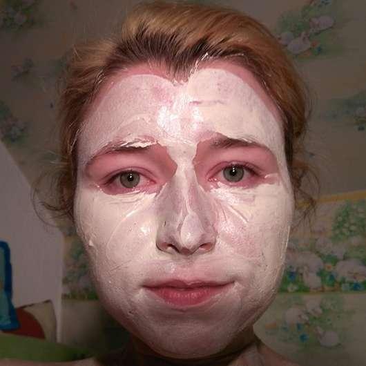 Gesichtsmaske aufgetragen mit dem for your Beauty Cosmetic Make-up Schwamm (aus Silikon)