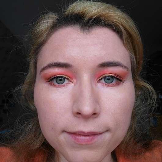 Foundation aufgetragen mit dem for your Beauty Cosmetic Make-up Schwamm (aus Silikon)