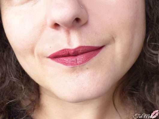 Lippen mit Maybelline New York Super Stay Matte Ink Lipstick, Farbe: 580 Ruler