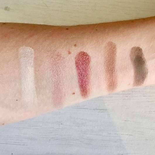 Zoeva Cocoa Blend Eyeshadow Palette - Swatches ohne Base (obere Reihe)