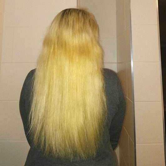Haare vor der Anwendung des ISANA Style 2 Create Air Dry Spray (ohne Föhnen)