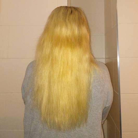Haare nach der Anwendung des ISANA Style 2 Create Air Dry Spray (ohne Föhnen)