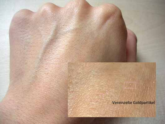 KISS Professional New York Pro Touch Gold Primer - Swatch mit Goldpartikeln
