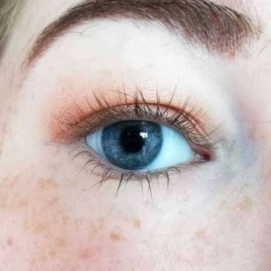 Maybelline New York Total Temptation Waterproof Mascara, Farbe: Black - Wimpern ohne Produkt