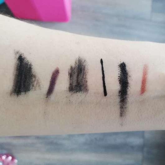 Unterarm mit Kosmetikprodukten vor (oben) und nach (unten) dem Abschminken