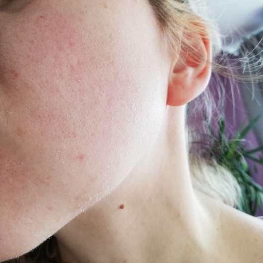 KISS Professional New York Pro Touch Mattifying Primer - Haut mit abgerolltem Primer