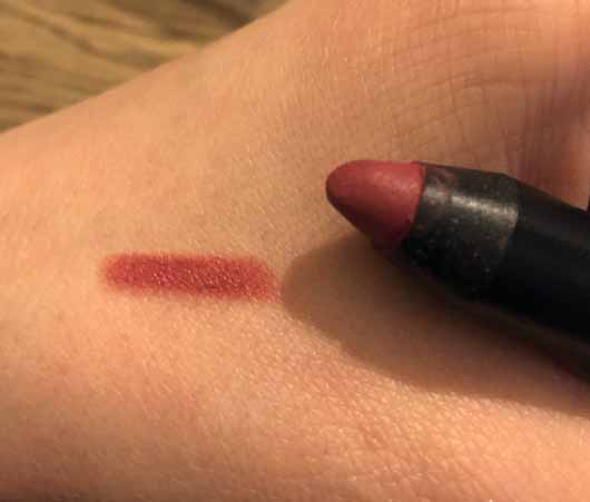 lavera Natural Matt'n Stay Lips, Farbe: 06 Berry - Swatch