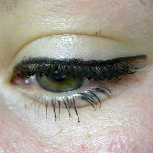 Sleek MakeUP Lifeproof 12 Hour Wear Kohl Eyeliner, Farbe: Blackmail - Lid mit Produkt
