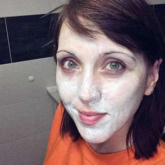 Neutrogena Skin Detox 2-in-1 Reinigung & Maske - Maske im Gesicht