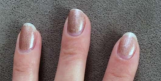 ISANA PROFESSIONAL Nagellackentferner acetonfrei (ohne stechenden Geruch) - Lack auf den Nägeln