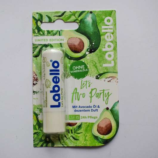 """<strong>Labello</strong> Superfruits """"Let's Avo Party"""" (LE)"""