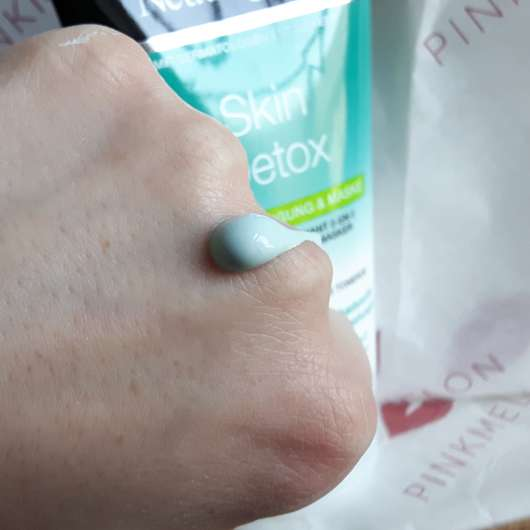Konsistenz - Neutrogena Skin Detox 2-in-1 Reinigung & Maske