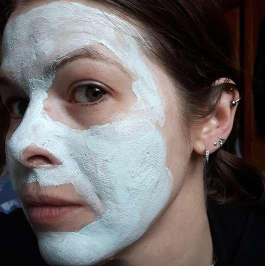 Neutrogena Skin Detox 2-in-1 Reinigung & Maske - auf dem Gesicht aufgetragen
