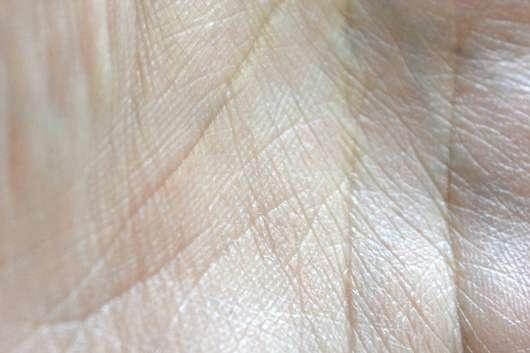 Haut ungefähr 30 Sekunden nach dem Auftrag