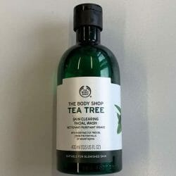 Produktbild zu The Body Shop Tea Tree Skin Clearing Facial Wash
