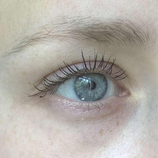 Auge mit Misslyn Pretty Big Volume Mascara, Farbe: 1 Pretty Black