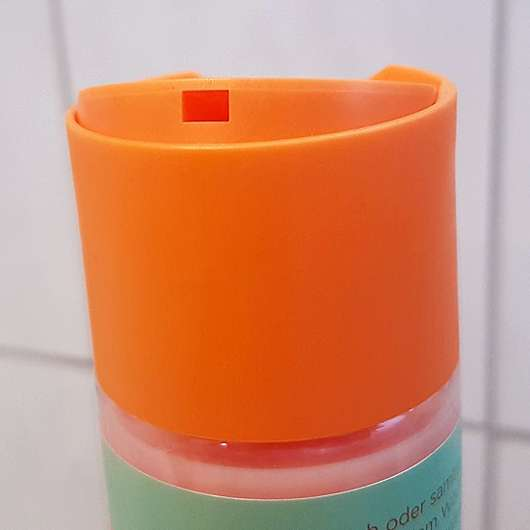 nju by xLaeta refresh with nju peach Shampoo (LE) - Öffnung
