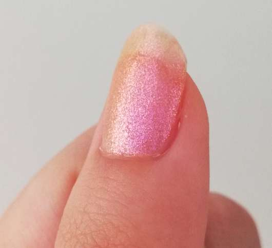 Catrice Galactic Glow Translucent Effect Nail Lacquer, Farbe: 04 Fast As Lightning Speed - solo aufgetragen