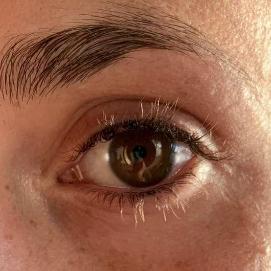 Misslyn Intense Volume Mascara, Farbe: 01 black - Wimpern ungeschminkt