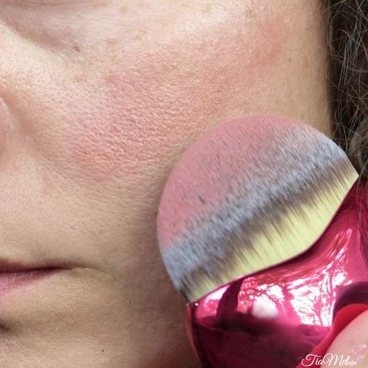Blush mit Misslyn Lovely Beauty Brush aufgetragen