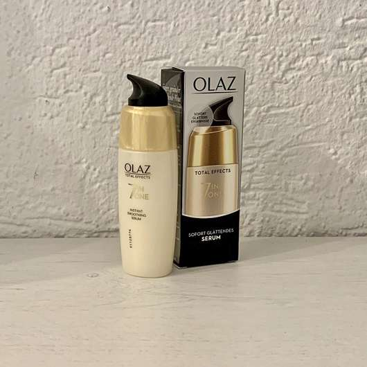 <strong>Olaz Total Effects</strong> 7 In One Sofort Glättendes Serum