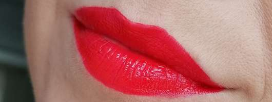 Mary Kay Ultra Stay Lip Lacquer Kit, Farbe: Cherry (LE) - Lip-Lack frisch aufgetragen