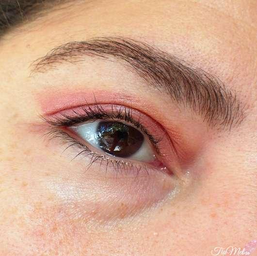 e.l.f. Cosmetics Monochromatic Multi-Stick, Farbe: Sparkling Rose - auf dem Auge