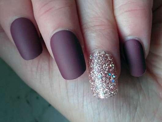 imPRESS Press-on Gel Manicure, Design: Forbidden - auf den Nägeln