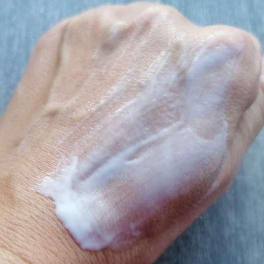 ALCINA Hyaluron 2.0 Hand Fluid - Konsistenz verrieben