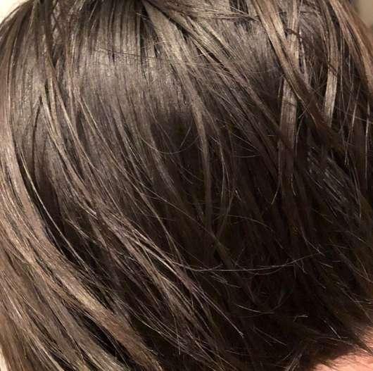 alverde Nutri-Care 2-Phasen-Sprühkur Bio-Mandel Bio-Argan - Haare vor der Anwendung