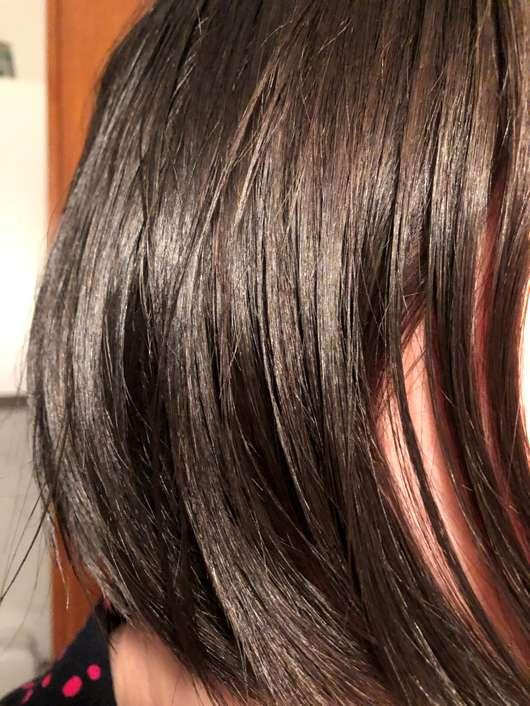 alverde Nutri-Care 2-Phasen-Sprühkur Bio-Mandel Bio-Argan - Haare mit Produkt