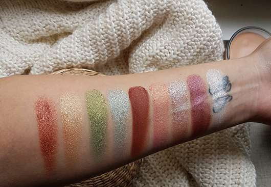 essence crystal power eyeshadow palette - Swatches ohne Base