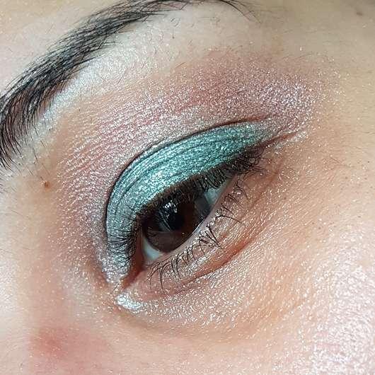 essence crystal power eyeshadow palette - AMU 1