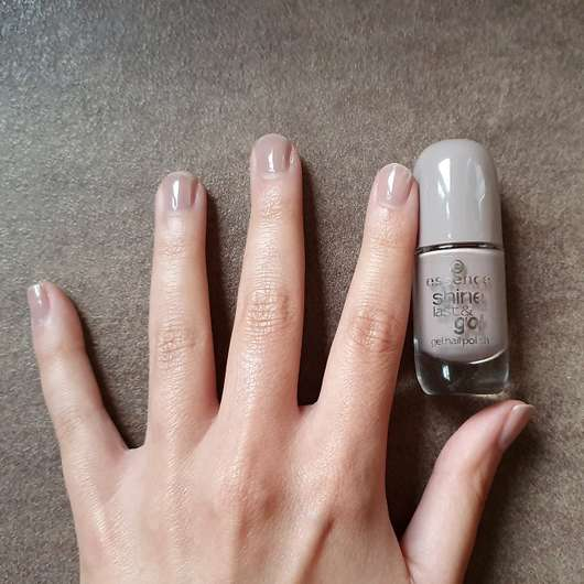 essence shine last & go! gel nail polish, Farbe: don't worry - Farbe auf den Nägeln
