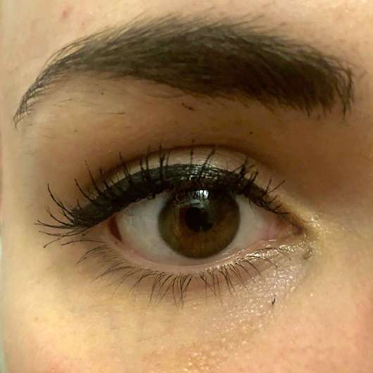 GOSH Intense Eye Liner Pen, Farbe: 01 Black - Lidstrich nach ca. 14 Stunden