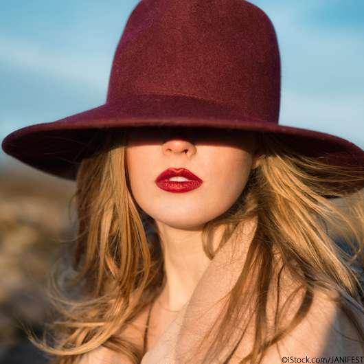 Die 3 schönsten Lippenstiftfarben für den Herbst 2021