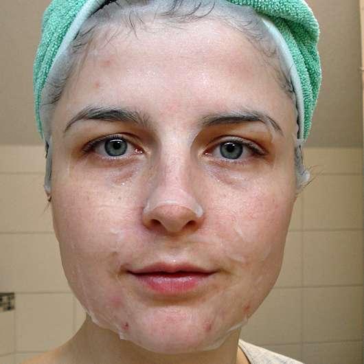 DERMAROLLER Set für Alterserscheinungen - Maske auf dem Gesicht