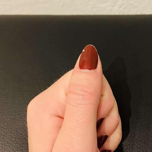 ebelin Nagellackentferner acetonfrei (Aloe Vera Duft) - Nagellack auf Finger