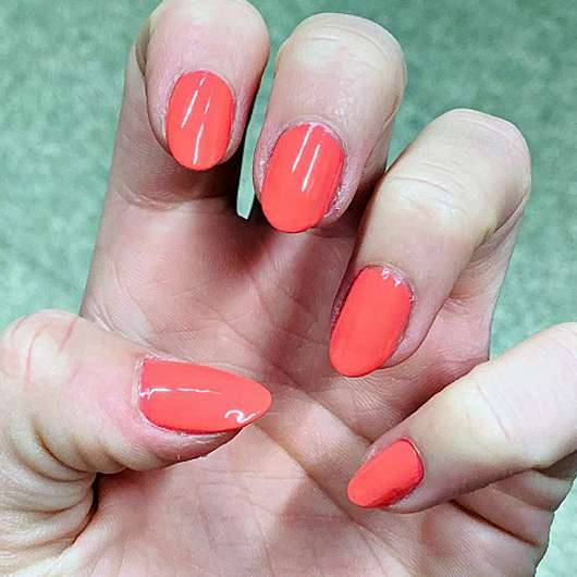 essence shine last & go! gel nail polish, Farbe: 43 - Farbe auf den Nägeln