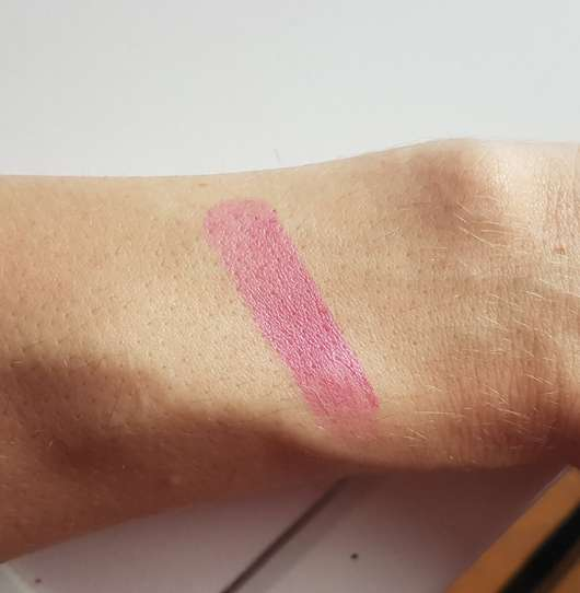 Swatch des KISS Professional New York Luscious Gel Shine Lipstick, Farbe: 14 Incomparably Hot