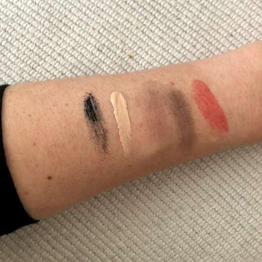 Make-up auf dem Unterarm aufgetragen - vor der Anwendung