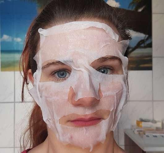 Gesicht mit lavera Naturkosmetik Glow Tuchmaske