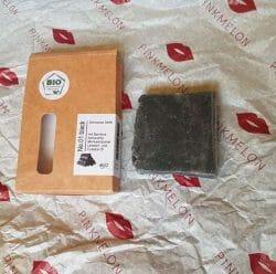 Produktbild zu Mijo Naturkosmetik No. 01 Schwarze Seife mit Bambus Aktivkohle & Bio Ölen