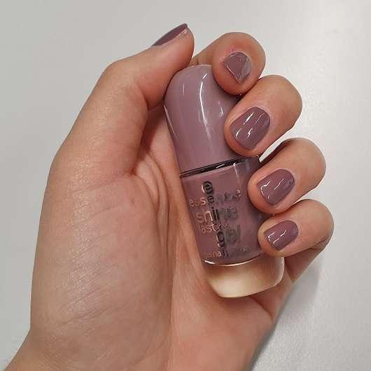 Tragebild des essence shine last & go! gel nail polish, Farbe: 24 we go together